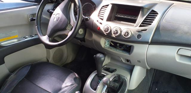 L 200 Hpe 3.2 4x4 automática 2010 toda revisada emplacada baixei para vende ligeiro - Foto 5