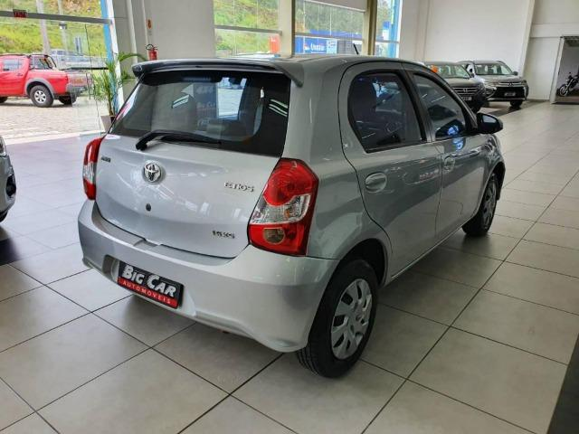 Toyota Etios XS 1.5 Flex 16V 5p Aut. Prata