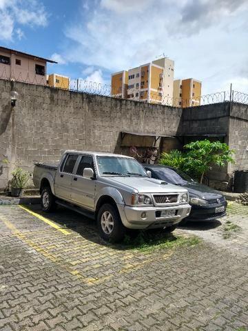 Carro L200 GLS