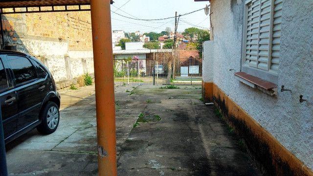 Duas Casas 4 dormitórios frente 2 Ruas estac 8 carros Junto Planalto - Foto 16