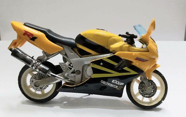 Miniatura Moto Yamaha R1  Escala 1:18