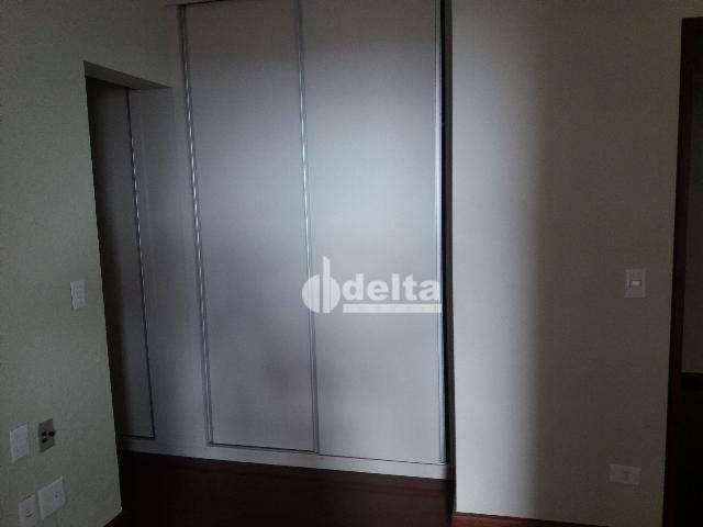 Apartamento com 3 dormitórios para alugar, 200 m² por R$ 2.500,00 - Centro - Uberlândia/MG - Foto 17