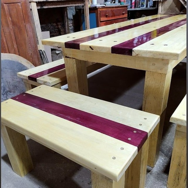 Conjunto de mesa e 4 bancos - Foto 3