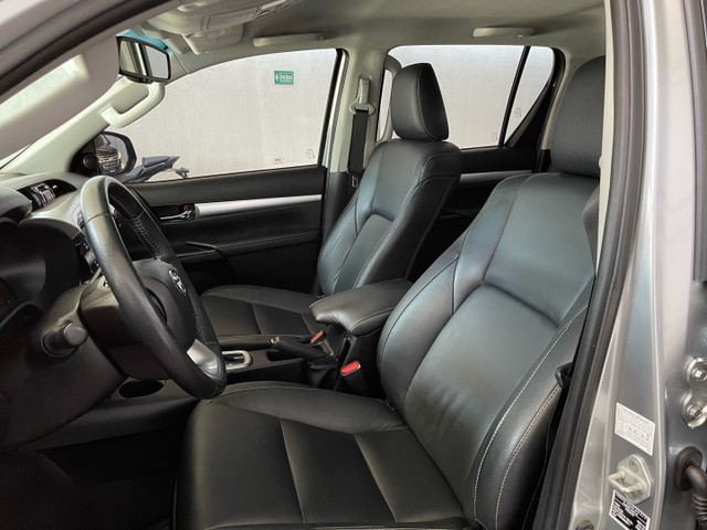 Toyota Hilux Srv Flex 4x4 2020 Garantia de Fabrica - Foto 13