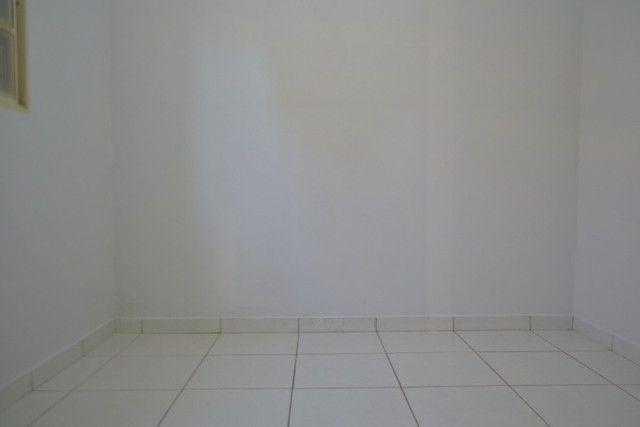 Casa confortável, 2 quartos, 1 suíte, outra residência no lote. Vl. Nova Canaã, Goiânia-GO - Foto 10