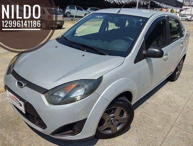 Fiesta Sedan 1.0 2014 Completão! Multimídia! Cam de ré! Troco e financio! Chama no zap! - Foto 2