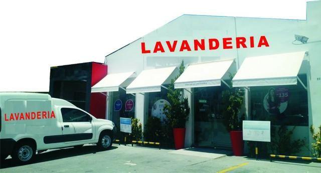 Passo Lavanderia com veículo delivery em Lauro de Freitas