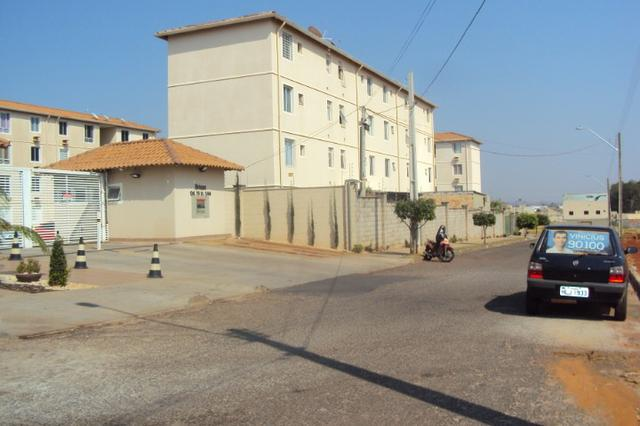 Apartamento de 2 quartos - Ed. Rossi Ideal Brisas. (62)3251-6120 - Foto 2
