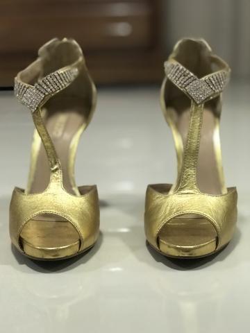 d16977997 Sandália Dourada Arezzo 35 - Roupas e calçados - Caçari, Boa Vista ...