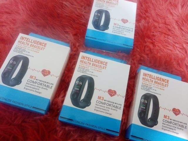 Pulseira Inteligent Monitor Cardíaco Relógio pressão etc - Foto 4