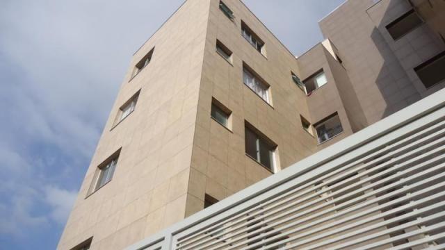 Excelente apartamento de 3 quartos com 3 vagas de garagem na melhor localização da região - Foto 2