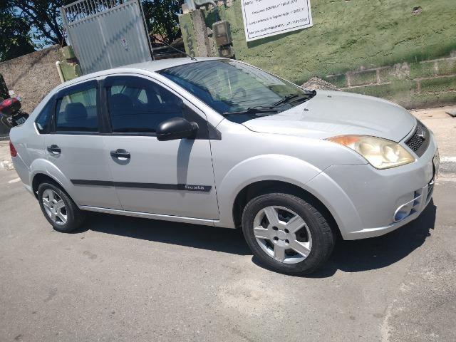 Ford Fiesta Sedan baixei pra vender