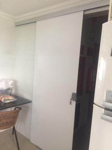 Porta de correr de vidro pintado de branco - Foto 4