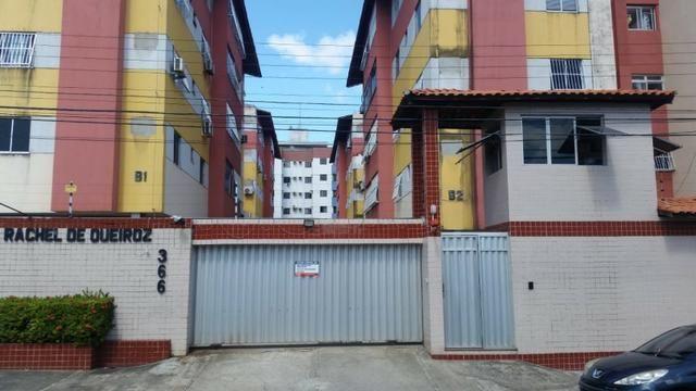 Olicarpe vende apartamento na Rua Santa Quitéria, n° 366 Vila União