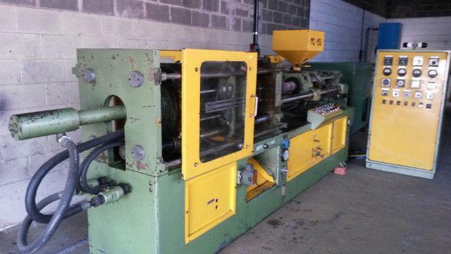 Manutenção e reforma de maquinas injetoras - Foto 2