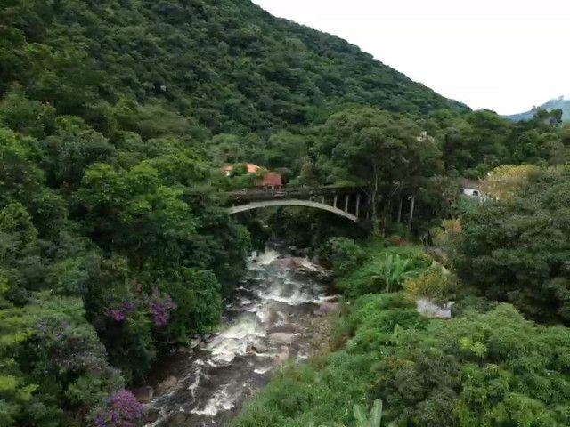 Casa da Cachoeira no pé da Serra de Friburgo - Foto 14