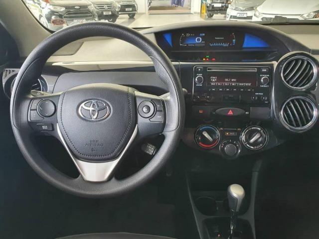 Toyota Etios XS 1.5 Flex 16V 5p Aut. Prata - Foto 6