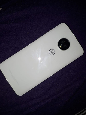 Motorola G7 plus 64gb com pequeno detalhe - Foto 4