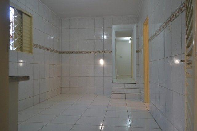 Casa confortável, 2 quartos, 1 suíte, outra residência no lote. Vl. Nova Canaã, Goiânia-GO