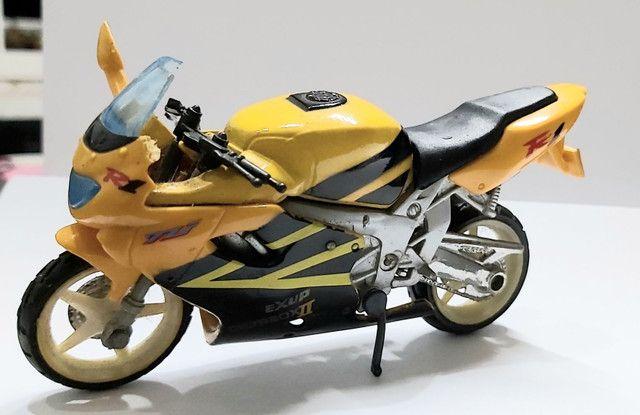 Miniatura Moto Yamaha R1  Escala 1:18 - Foto 2