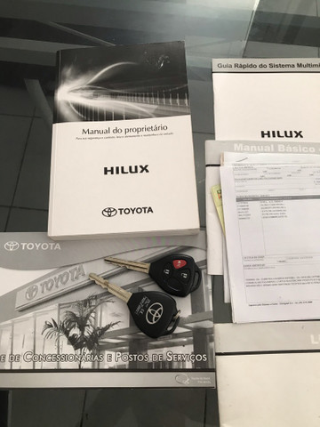 Hilux SRV 15/15 Automática 2.7 4x2 Flex (Informações na descrição) - Foto 12