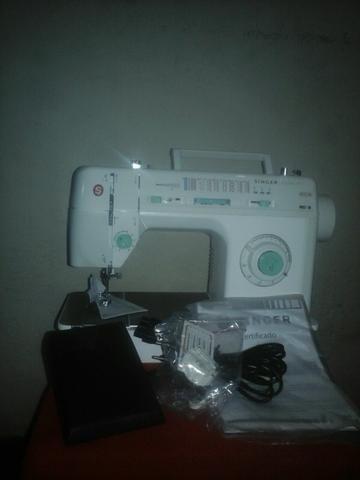 Vendo maquina de costura ainger R$ 800