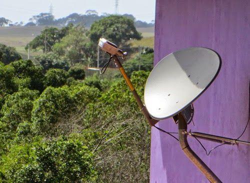 Eu Instalo internet via satelite- chega onde o cabo e a fibra nao chegam
