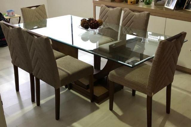 Linda Sala de Jantar com 6 cadeiras praticamente nova! Parcelo em 10X