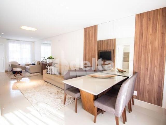 Casa de condomínio à venda com 3 dormitórios em Jardim karaíba, Uberlândia cod:13493