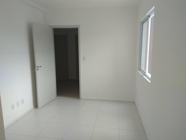Aluga_se apartamento no bairro Mangabeira