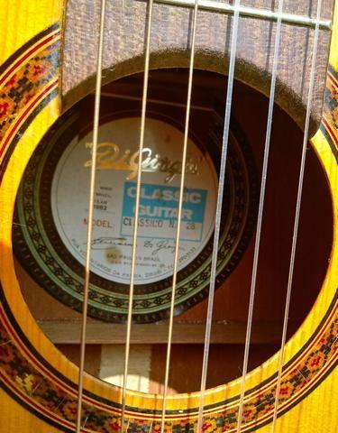 Aceito trocas por instrumentos musicais. Violão Antigo Di giogio mod 28 Classico de 1982 - Foto 6