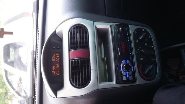 Corsa Sedan - 1.4 Premium - 2010/2011 - Foto 3