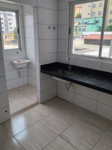 Apartamento com 02 quartos com armários e 04 vagas cobertas - Foto 2