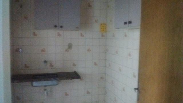 Apartamento simples com 02 quartos e 01 vaga coberta - Foto 5