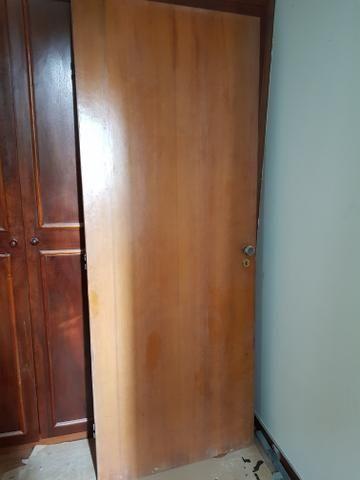 Porta 2,10m x 0,81m completa com marco - Foto 3