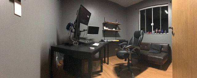 Suporte de mesa braço articulado para até 3 monitores de 27 polegadas - Foto 2