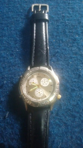 TORRO; Dois Relógios Por R$ 65.00, MOHAWK & TECHNOS, Funcionando Perfeitamente - Foto 3