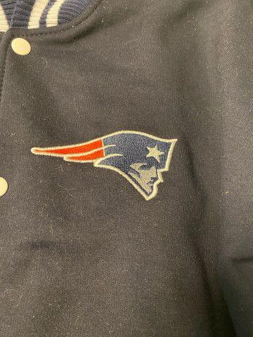 Jaqueta College NFL Patriots. - Foto 3