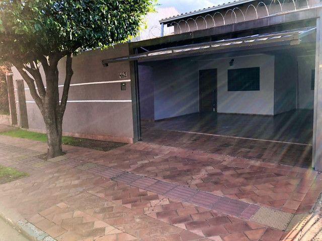 Linda Casa Jardim Monumento Próxima da AV. Guaicurus - Foto 15
