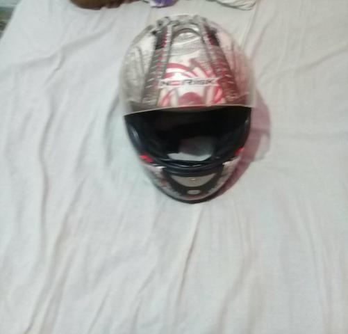 Vendes dois capacetes
