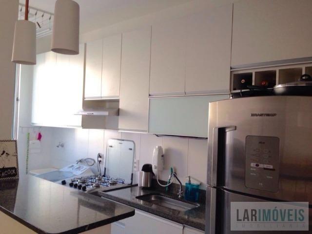 Apartamento 02 quartos em Colina de Laranjeiras - Armários em todos os ambientes!