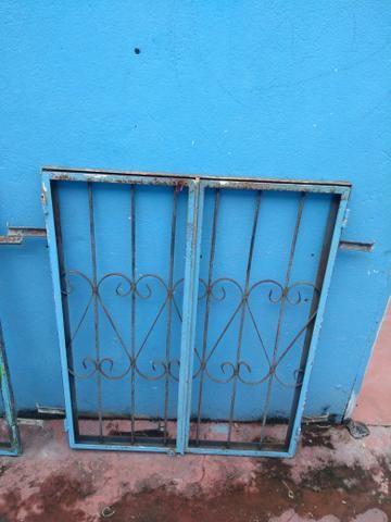 2 janelas de 1m x 80cm por R$ 100 - Foto 2