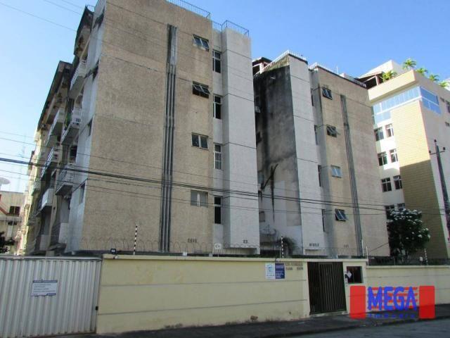 Apartamento com 3 quartos para alugar, próximo à Av. Antônio Sales