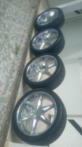 Vende-se roda cromada aro 24 universal já vai completa com os pneus - Foto 3