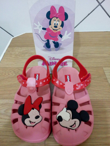 Sandália infantil tamanho 25