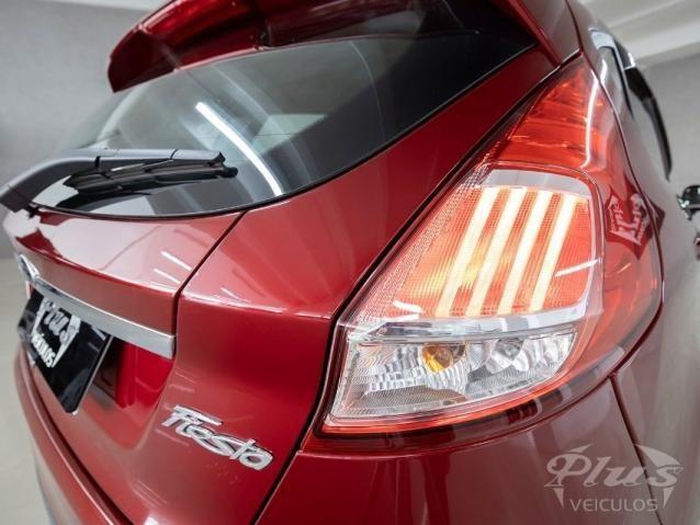 Ford Fiesta TITANIUM 1.6 AUT 4P - Foto 15