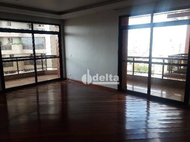 Apartamento com 3 dormitórios para alugar, 200 m² por R$ 2.500,00 - Centro - Uberlândia/MG - Foto 13