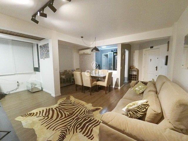 Apartamento, 2 Dormitórios, 1 Suíte, 3 Banheiros, 1 Vaga, Sacada, Semimobiliado, Centro - Foto 11