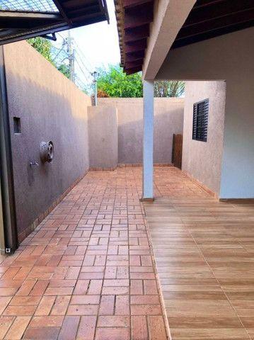 Linda Casa Jardim Monumento Próxima da AV. Guaicurus - Foto 2
