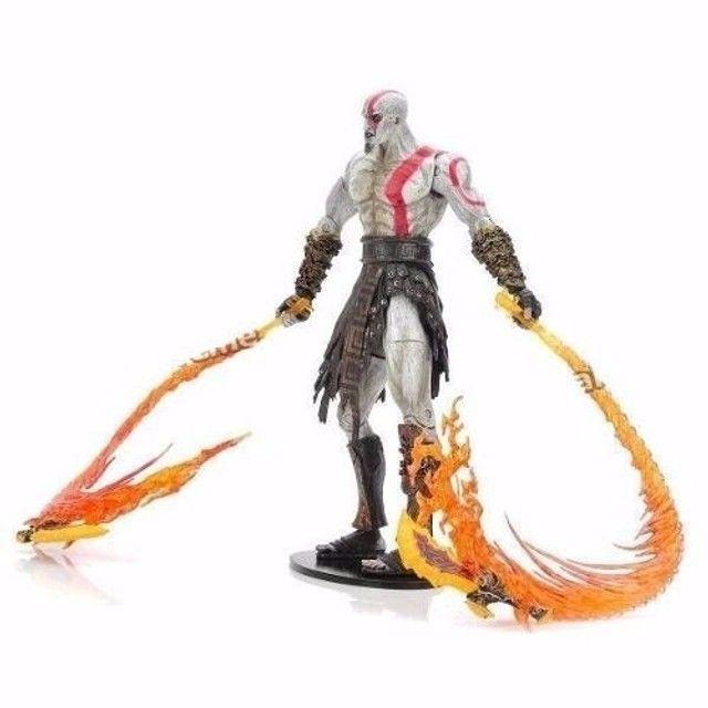 Kratos God Of War 18 cm - Com As Lâminas do Caos